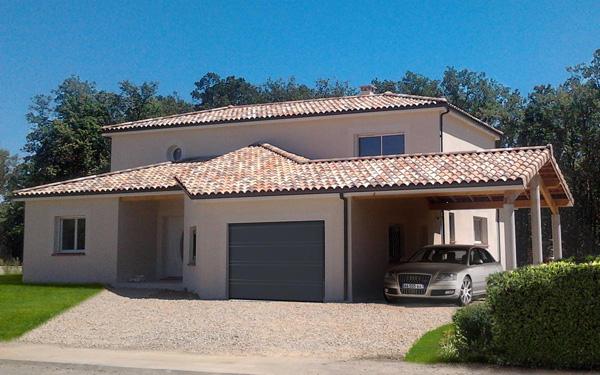 maison neuve tradionnelle de la région Occitanie
